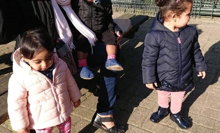 moederkloek met kids